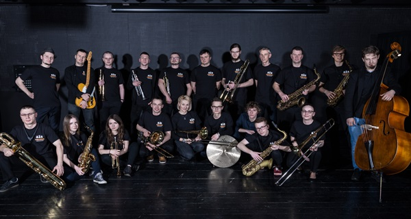 Pomeranian Youth Big Band & Lesja w Amfiteatr Jazz Cafe